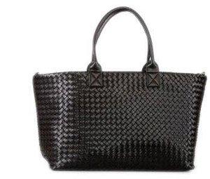 Tasche im Bottega Veneta - Stil; Quelle: Urteil OLG Frankfurt vom 01.12.2011, Gz.: 6 U 251/10